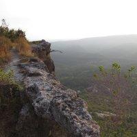 Утро в пещерном городе. Крым :: Александр Казанцев
