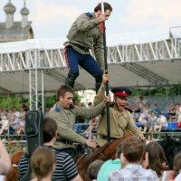 тоже пирамида на лошадях :: Олег Лукьянов