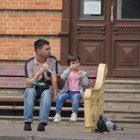 Любовь и голуби :: Андрей Горячев