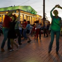 Танцы на стрелке Васильевского острова 1 :: Александр Неустроев