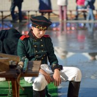Никто не знает, как грустит солдат, обманутый девчонкой и забытый. :: kirm2 .