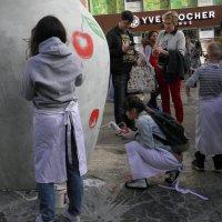 Уличное творчество для всех желающих... :: Елена