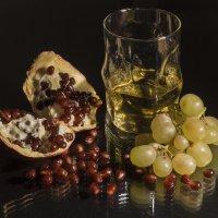 Виноград и гранат... :: Наталья