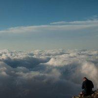 Раздумье над облаками :: Сергей Стенин
