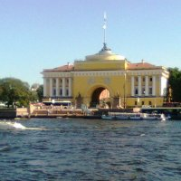 Прогулка по Неве. Адмиралтейство. :: Виктор Елисеев