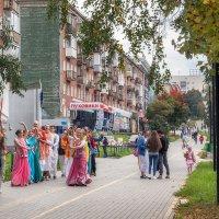 Осенний городской пейзаж :: Леонид Никитин