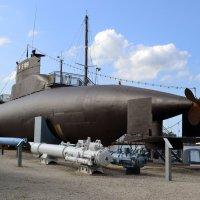 Подводная лодка снаружи :: Ольга