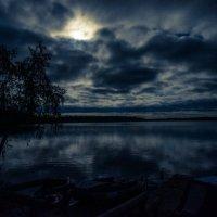 Ночное озеро :: Павлов Илья