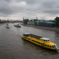 Пачка чипсов на воде... :: Алексей Шатерников