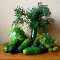 Натюрморт в зелёном :: Nina Yudicheva