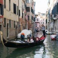 Стандартные виды Венеции (куда без гондол...) :: Irina Shtukmaster
