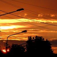 закат включает фонари :: Александр Прокудин