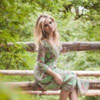 девушка в лесу :: Ирина Мелешко