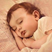 Sweet little angel :: Julia Pitt
