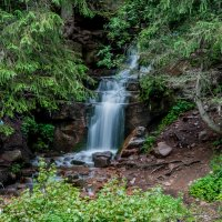 Водопад в горах :: Виктор
