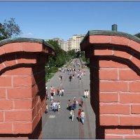 Взгляд сквозь стену на Александровский сад. :: Роланд Дубровский