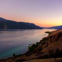 горное озеро :: Alexander Hersonski
