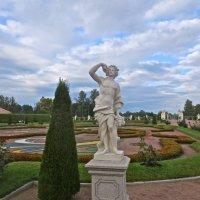 """статуя """"Осень"""" :: Елена"""