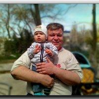 В сильных и надежных   дедовских руках...... :: Людмила Богданова (Скачко)