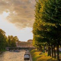 Прогулка по реке :: Алексей Васильев