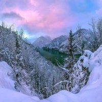 Живописный вид на озеро Рица. :: Фёдор. Лашков