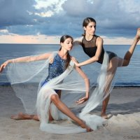 Amanda Ashley with Alli Robles :: Pavel Ouporov