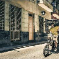 Куба и ее люди!!!... Улицами старой Гаваны... :: Александр Вивчарик