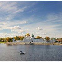 Кострома. Свято-Троитцкий Ипатьевский монастырь. :: leonid