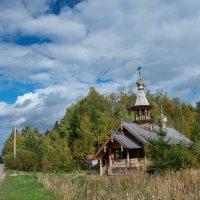 Сельская церковь :: Юрий Бутусов