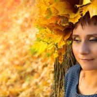 Девушка Осень. :: Юлия