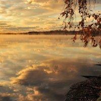 Рассвет на озере. :: Ирина Токарева
