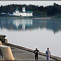 Набережная реки Великой...Мирожский монастырь... :: Fededuard Винтанюк