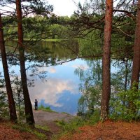у озера :: Виктор Филиппов
