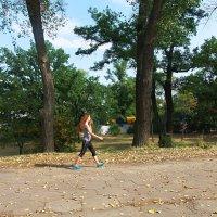 Ярким пламенем горит в парке солнечная осень! :: Наталья
