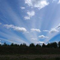 Летите облака,летите,и радость людям принесите... :: Александр Попов