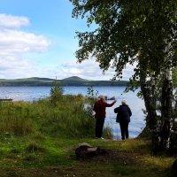 У озера :: Maksim Dubinsky