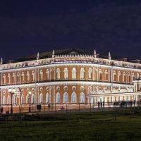 В ночной подсветке. :: Александр Назаров