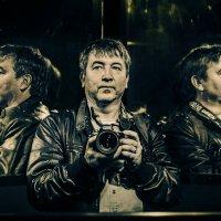 Автопортрет :: Игорь Лариков