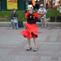 Бабуля танцует... :: Ростислав