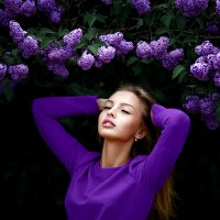 Лиза в сирени :: Антон Дятлов