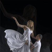 Танец длиною в жизнь... :: Владимир Головин