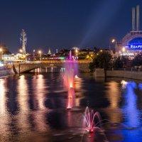 Прогулка по ночной Москве. :: Edward J.Berelet