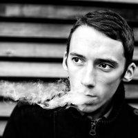 Портрет курящего человека :: Никита Степанов