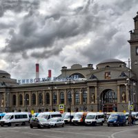 Москва...Киевский вокзал. :: Валерий Баранчиков