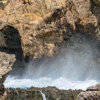 Волна в скалах :: Witalij Loewin