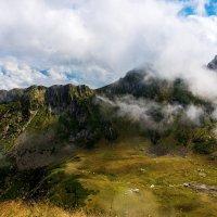 Кавказские горы. :: Геннадий Оробей