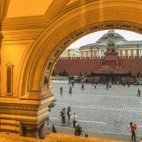 Мавзолей. Вид из ГУМа :: Сергей Вахов
