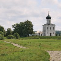 Церковь Покрова на Нерли. :: Александр Теленков