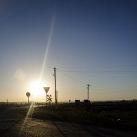 Восход над переездом :: Константин Сафронов