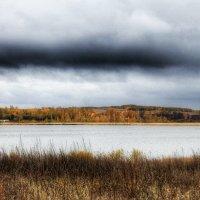 у озера :: Marusiya БОНДАРЕНКО